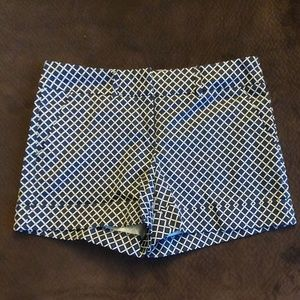 New York & Company Diamond pattern shorts